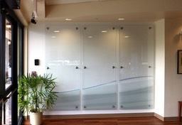 BOH wall glass panels••